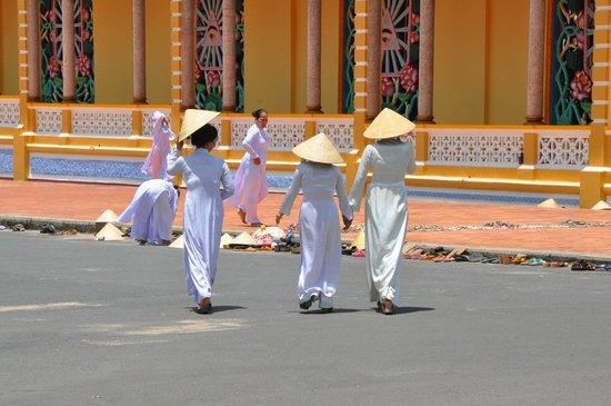 Cao Dai Temple: member of the Cao Dai