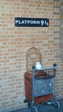 Platform 9 3/4 at King's Cross train station