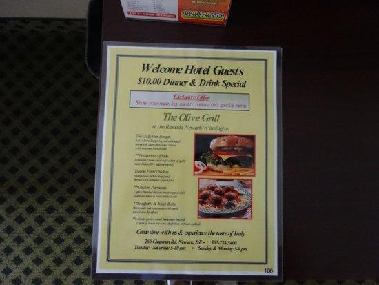Ramada Newark/Wilmington: Меню в кафе