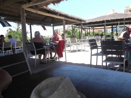smartline Skanes Serail : beach restaurant