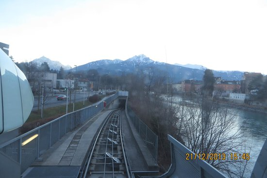 Innsbrucker Nordkettenbahnen : On the funicular going to Hungerburg