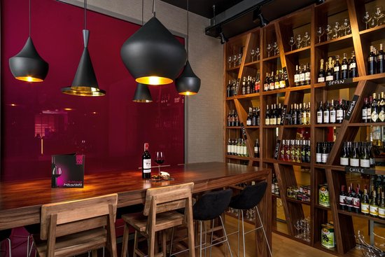 Mercure Warsaw Grand: Winestone Restaurant