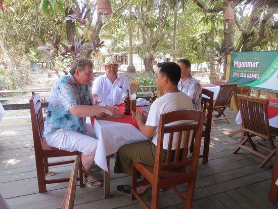 Min Thu - Traditional Seafood Restaurant : Вспоминая былое