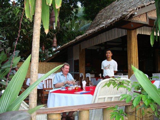 Min Thu - Traditional Seafood Restaurant : У Мин ТУ в 2009году