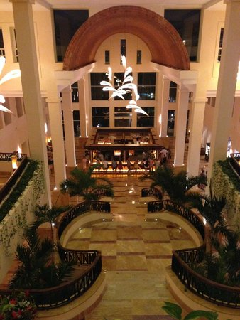Excellence Playa Mujeres : Stunning lobby
