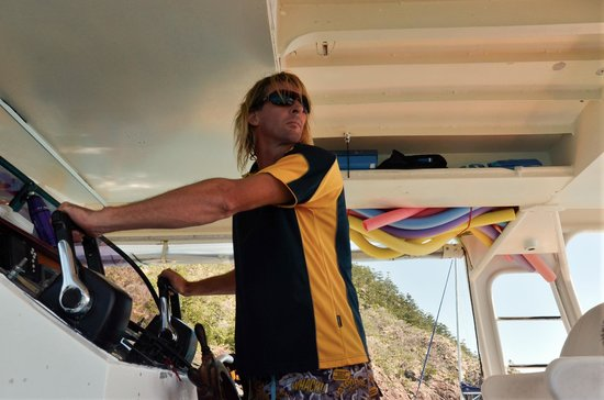 Big Fury Island Tour: Very experienced captain.