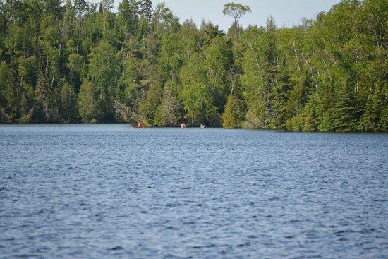 Golden Eagle Lodge: kayaking flour lake