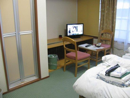 Hotel Urashima: 部屋とバスのドア