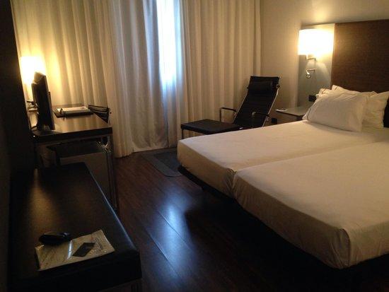 AC Hotel Alicante : A double room