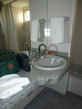 Hotel Mirador del Lago: baño