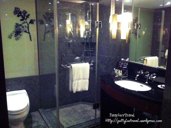 Sheraton Grande Taipei Hotel: bathroom