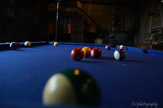 Howard Johnson Hotel Finca Maria Cristina : mesa de pool en el granero
