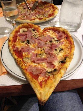 pizzeria dolce vita issy les moulineaux restaurant avis num ro de t l phone photos. Black Bedroom Furniture Sets. Home Design Ideas