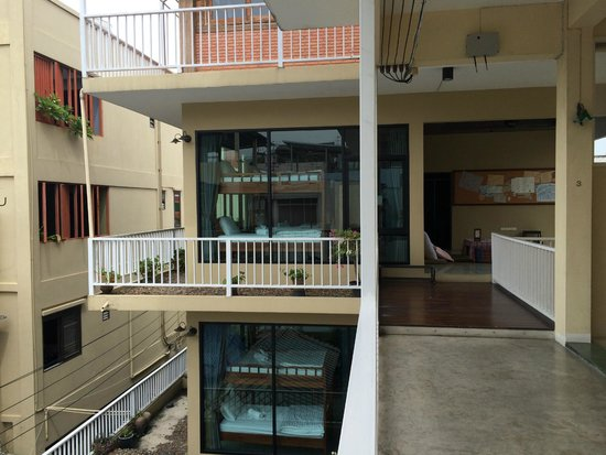 Feung Nakorn Balcony Rooms & Cafe: View from the Hall
