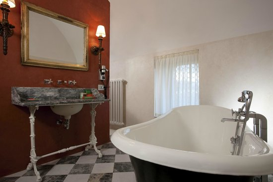 NH Collection Firenze Porta Rossa : Bathroom - Presidential Suite