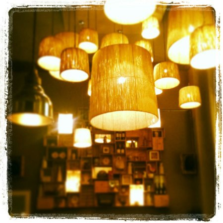 Downstairs Restaurant and Bar: The lights in the restaurant