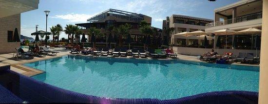 Porto Platanias Beach Resort & Spa: basseng