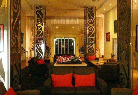 Mamaison Hotel Andrassy Budapest: Hall d'accueil
