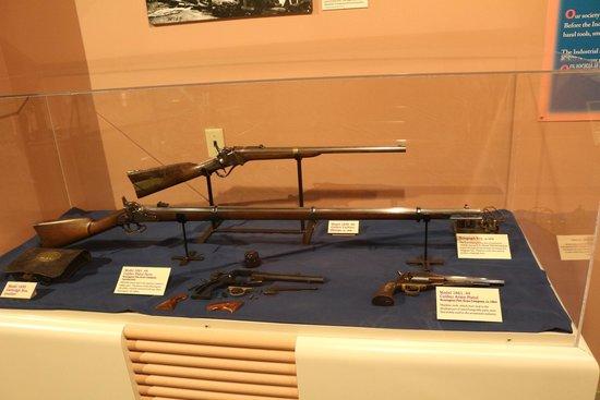 Cincinnati Museum Center: guns