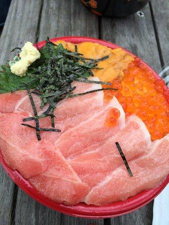 Ikiiki Bakangai : 海鮮丼