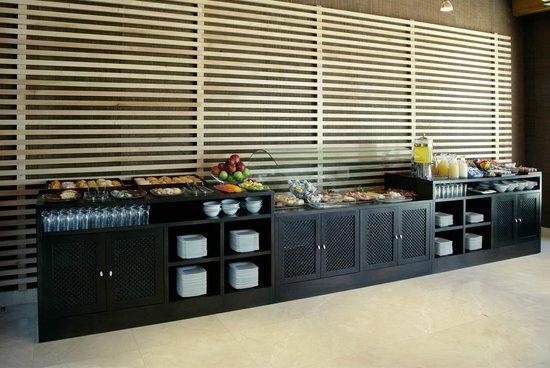 NH Alcorcon: Breakfast Buffet