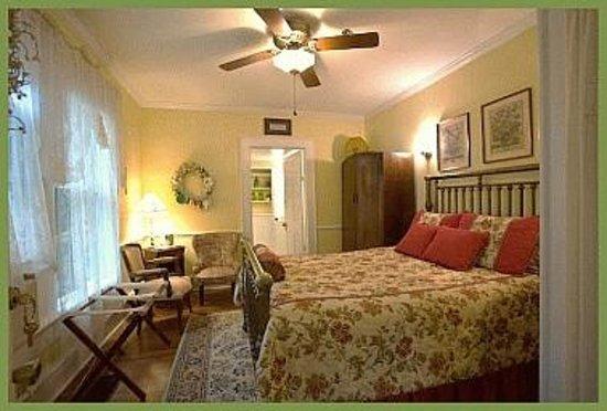 Mount Dora Historic Inn: Miss Elsie's Room