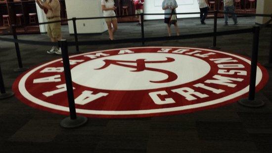 Bryant Denny Stadium: Carpet in game day locker room