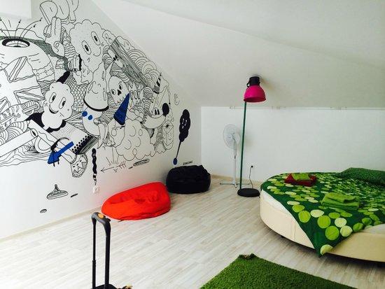 Baby Lemonade Hostel: Cool mural