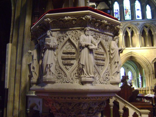 Saint Patrick's Cathedral: altaar