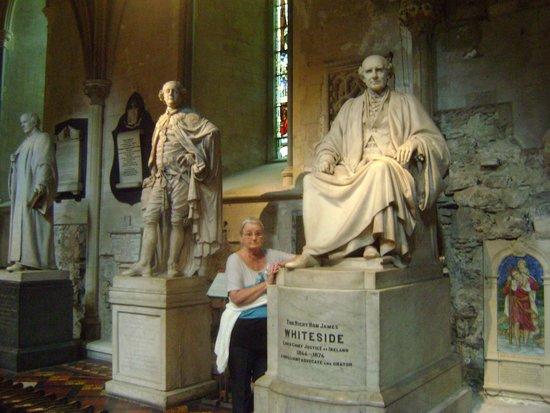 Saint Patrick's Cathedral: veel beelden