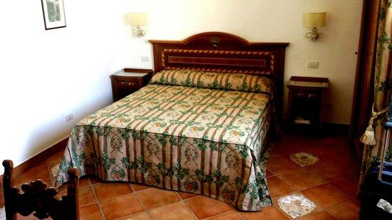 Tenuta Montecorbo: stanza da letto