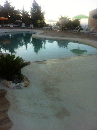 Hotel Baglio di Scopello: бассейн