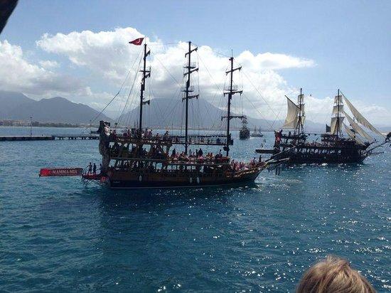 The harbor: Båtene i havna