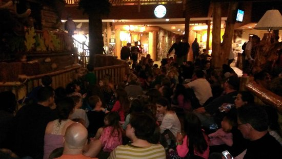 Great Wolf Lodge: Puppet show