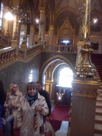 Parlement : Escalera principal de acceso.