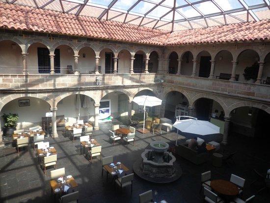 Novotel Cusco: Patio intérieur - verrière