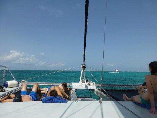 Allura Catamaran: Sailing back.