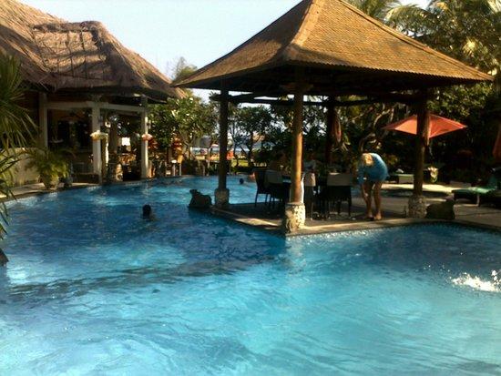 Bayshore Villas Candi Dasa: main pool