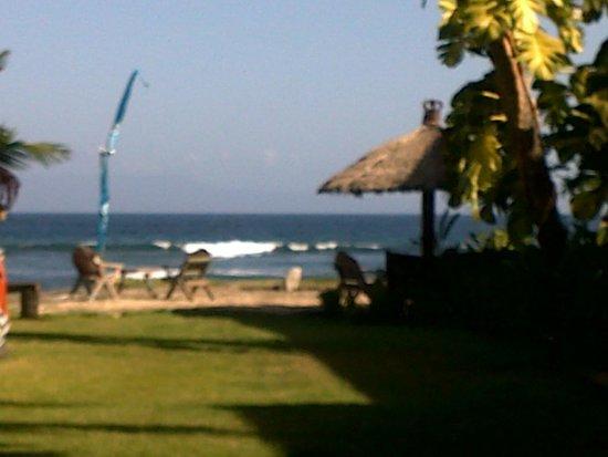 Bayshore Villas Candi Dasa: beach views