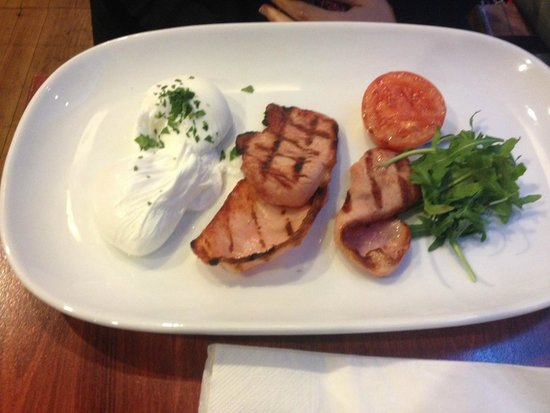 Bona Fides Cafe Restaurant: Bacon and poached eggs (without the toast)
