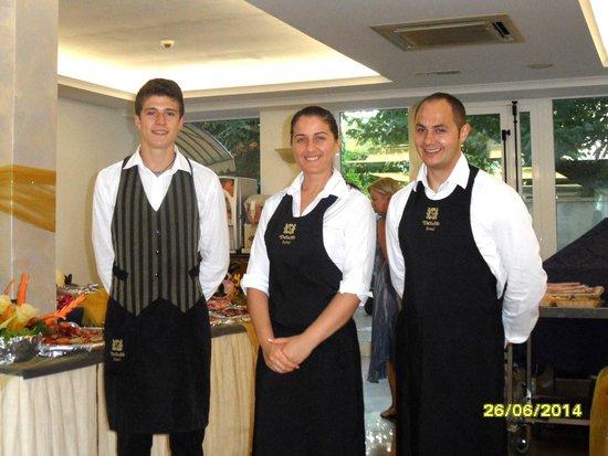 DaSamo Hotel : Die Kellner
