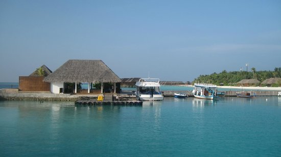 Veligandu Island Resort & Spa : Ponton d'arrivée