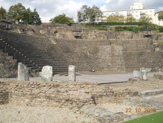 Theatres Romains de Fourviere: Da dietro il palcoscenico