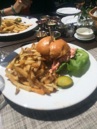 Topper's: Lobster roll