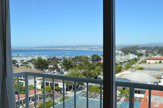 Monterey Marriott : View of Monterey Bay from room