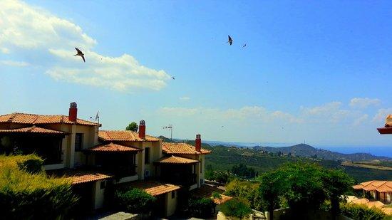 Akritas Ef Zin Villas & Suites: вид с нашего балкона