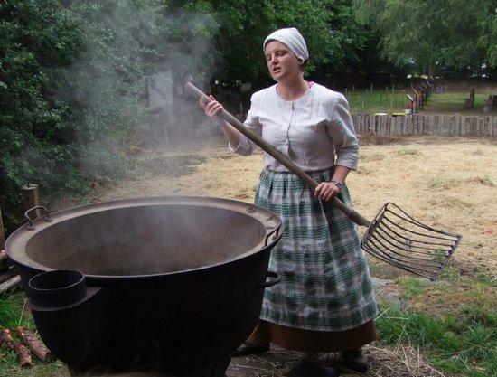 Village de Poul-Fetan : Les patates sont cuites