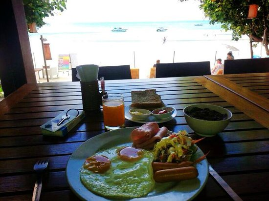 La Lune Beach Resort: petit dejeuner