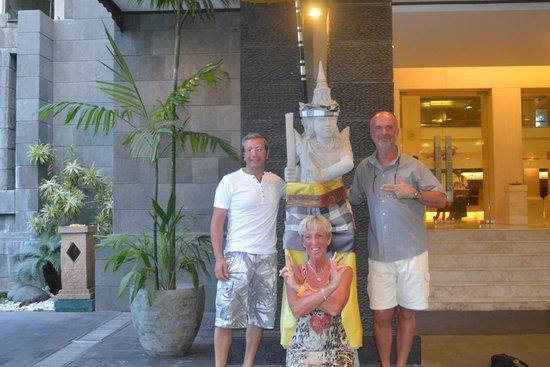 Prama Sanur Beach Bali: entrée de l'Hôtel