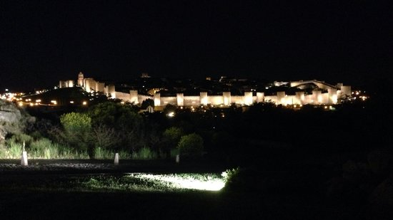 The Walls of Avila : Vista notturna